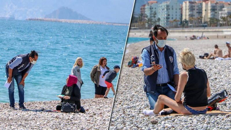 Проверки на пляжах Анталии и парках Стамбула
