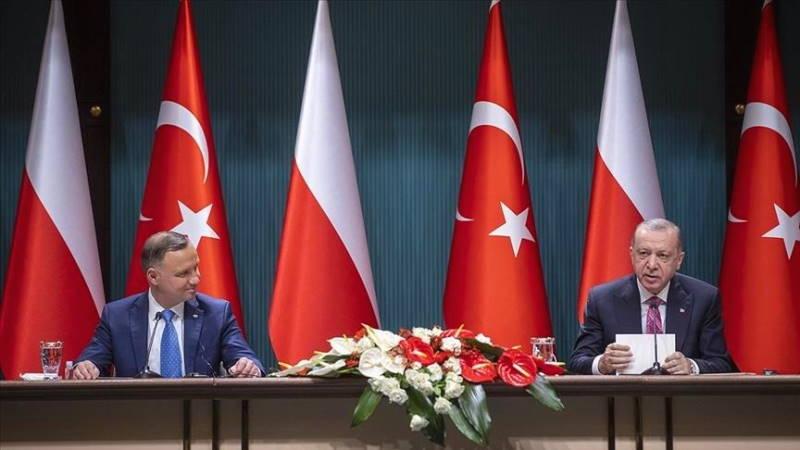 Турция поставит в Польшу 24 ударных БПЛА