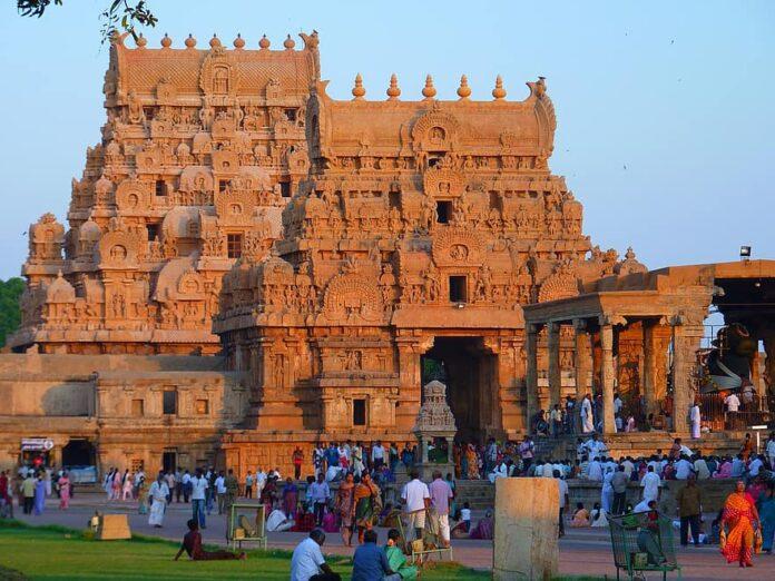 temple-brihadeshwara-templ-tanjore-india