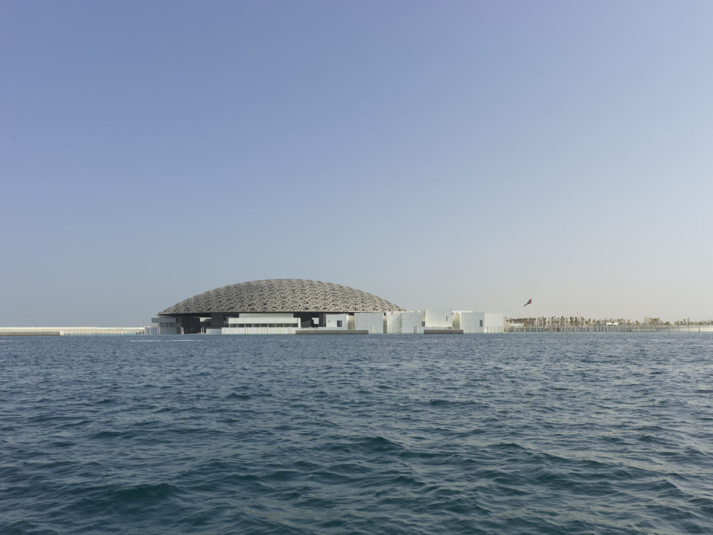 Louvre Abu Dhabi exterior view, (2017). © Louvre Abu Dhabi. Photo by Roland Halbe.