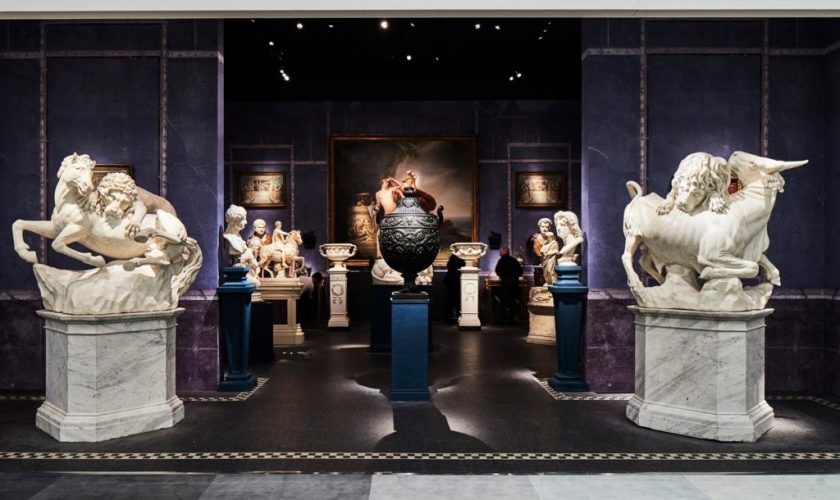 Installation view of Tomasso Brothers Fine Art Stand at TEFAF. Photo: Mark Niedermann, courtesy of TEFAF.