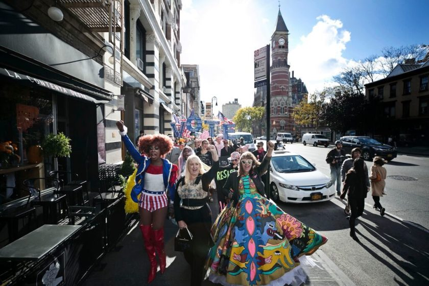 Honey Davenport, Michele Pred, Bud Snow leading Pred's We Vote Parade. Photo by Pontus Hook.