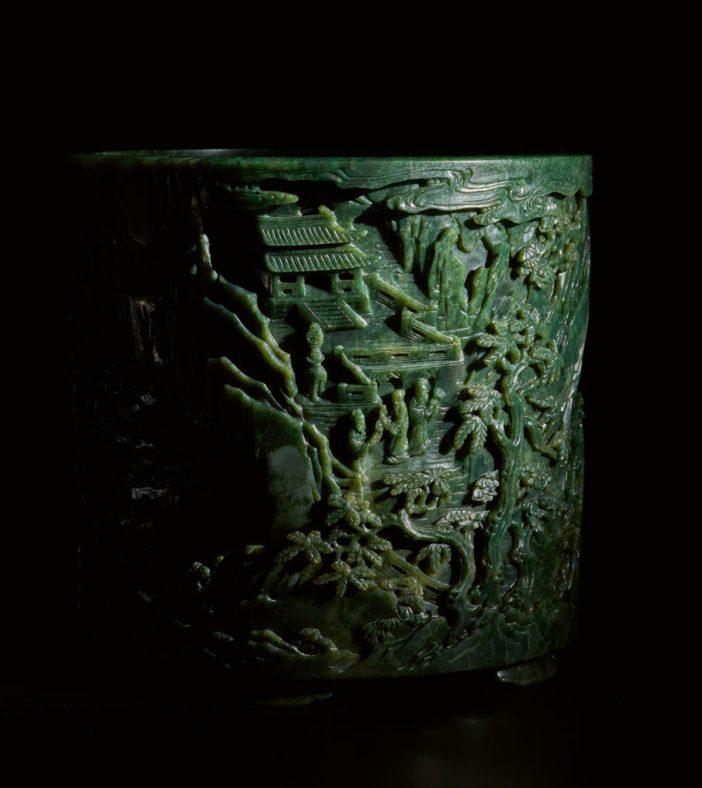 Utensílio de jade esculpido à mão da dinastia Qing, que deve alcançar US$ 700 mil