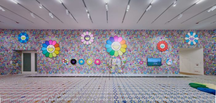 "Vista da exposição ""Murakami versus Murakami."" © Takashi Murakami/Kaikai Kiki Co., Ltd. All Rights Reserved. Photo: Kitmin Lee"