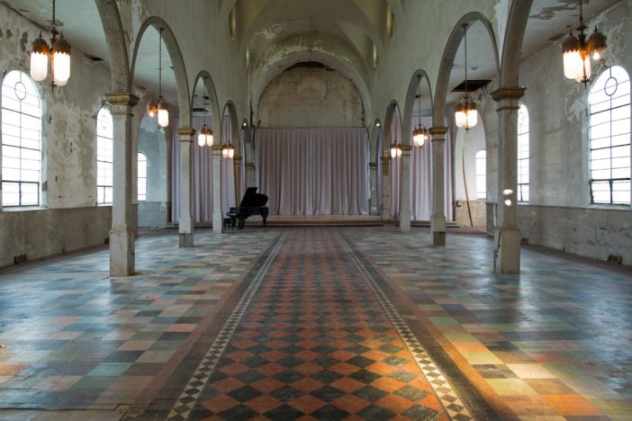 The interior of the Marigny Opera House in New Orleans. Photo by Pompo Bresciani.
