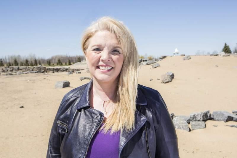 photo of Stephanie Ruel in the desert