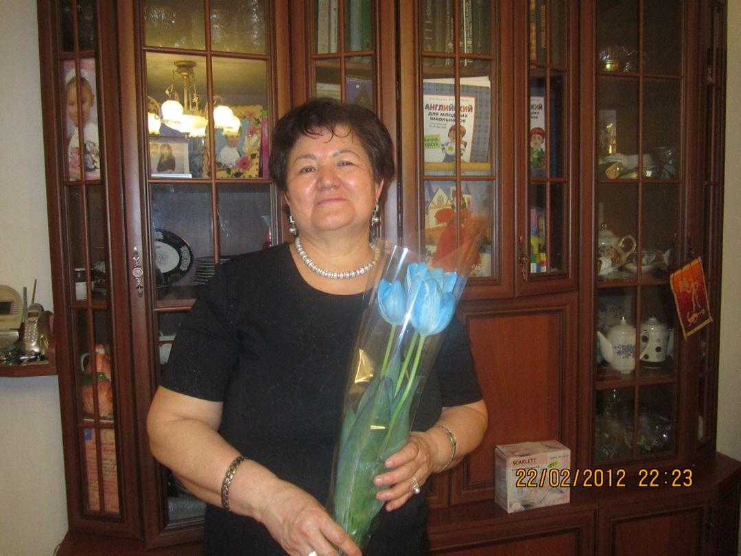 sazhida-bakievna-kamalova-predsedatel-domovogo-komiteta-v-dome-po-gogolya-6