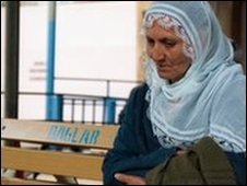 A mother waiting outside Diyarbakir prison