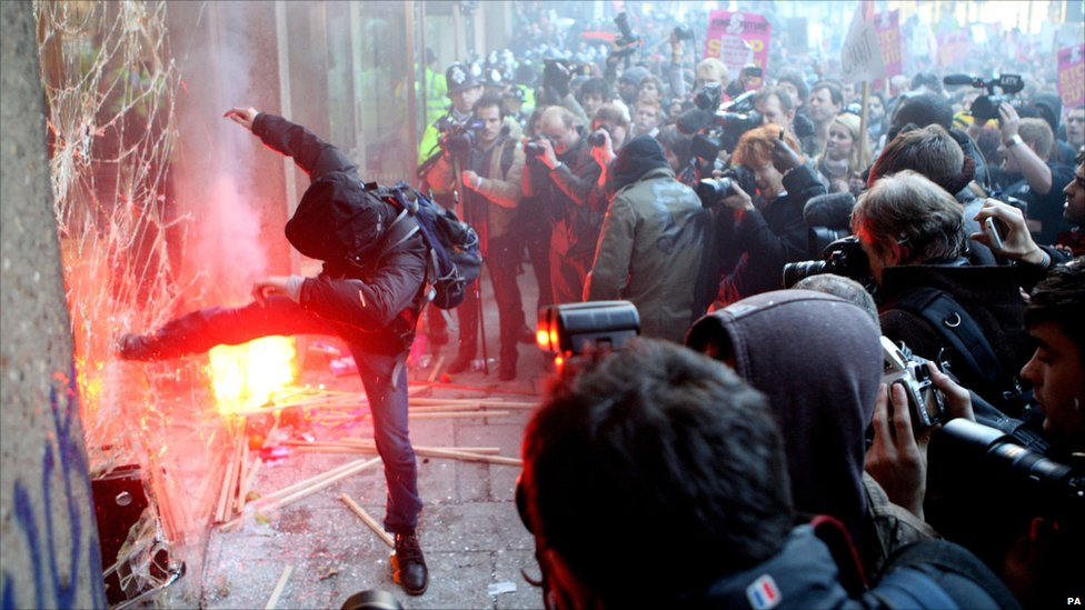Protesters or photographers?