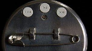 Playbutton controls