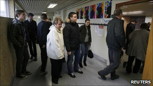 Icelanders queue to vote in Reykjavik