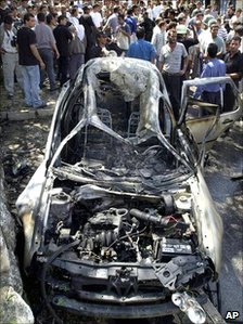 Remains of car after missile attack on Barghouti convoy (04/08/2001)