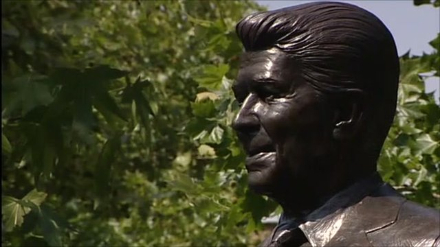 Ronald Reagan statue head