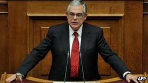 Greek Prime Minister Lucas Papademos addresses  parliament in Athens 16 November 2011
