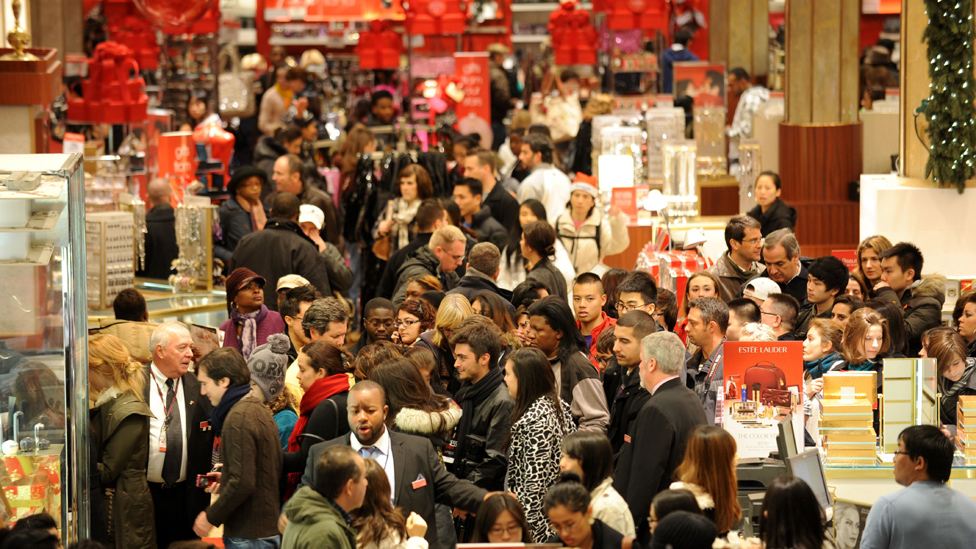 In Pictures: US Shoppers Hit The Stores On