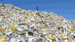 The rubbish of tourism on the Maldives