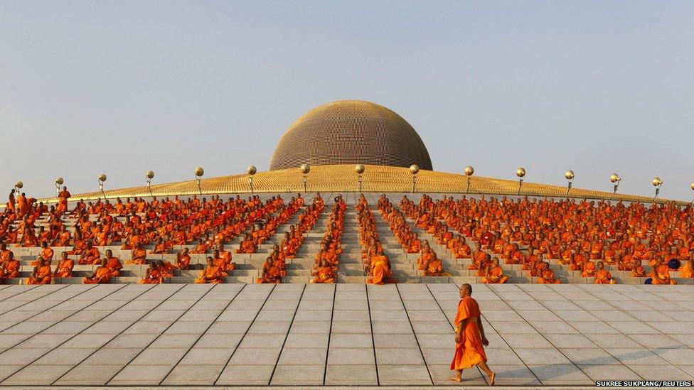 Resultado de imagem para templo Wat Dhammakaya