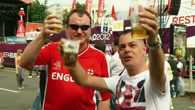 BBC News - Euro 2012: England fans praise 'warm' Kiev welcome