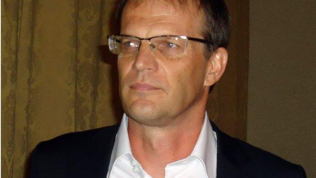 Denis Lavagne, the greedy coach?