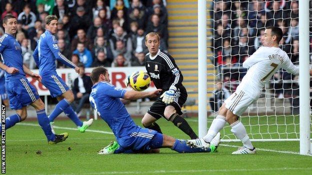 Torres goes close