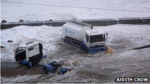 Camiones en Puerto Wick