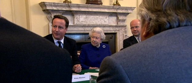 The Queen at No 10 with David Cameron and cabinet
