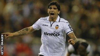 Valencia midfielder Ever Banega