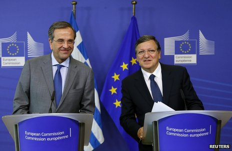 Greek Prime Minister Antonis Samaras (left) and European Commission President Jose Manuel Barroso at a news conference in Brussels, 17 September