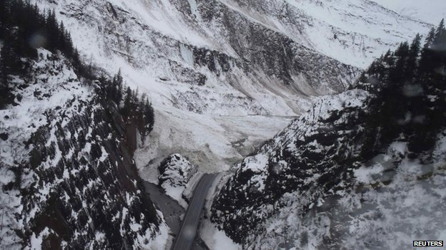 An avalanche blocked a roadway in Keystone Canyon in Alaska on 26 January 2014