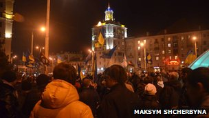 Up to a thousand opposition supporters rallied in the eastern Ukrainian city of Zaporizhya (20 Feb)