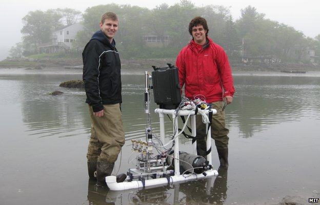 Researchers test RoboClam