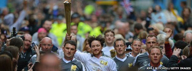 Glasgow 2014 What Is The Queens Baton Relay BBC News