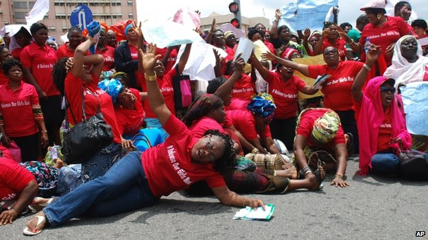 Demonstrators in Abuja demand the government to act firmer to release the schoolgirls. Photo: 26 May 2014