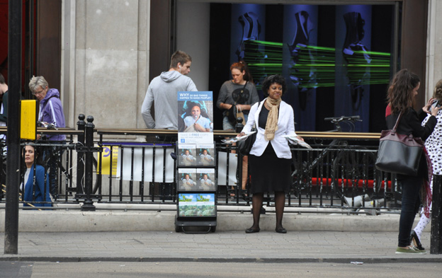 The Jehovahs Witnesses New Tactic BBC News