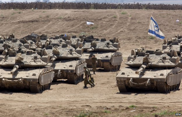 Israeli tanks near the Gaza Strip, 21 August