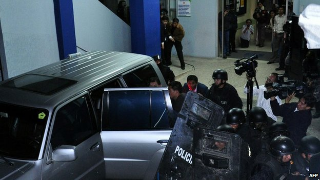The president is rescued from the National Police Hospital by an elite police special operations unit on 30 September 2010