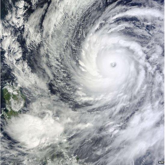 Typhoon Vongfong over the Pacific ocean (8 Oct 2014)