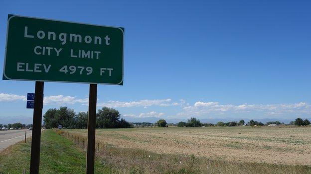 Longmont city limit sign