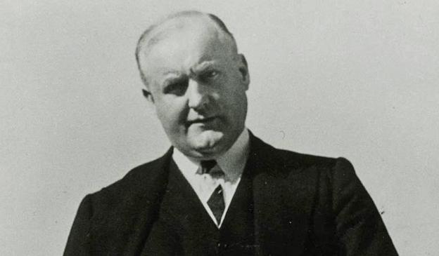 Dr James Murphy