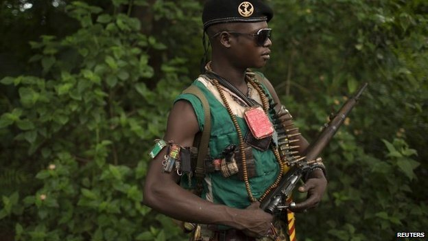 An anti-Balaka fighter near the town of Yaloke in CAR (25 April 2014)