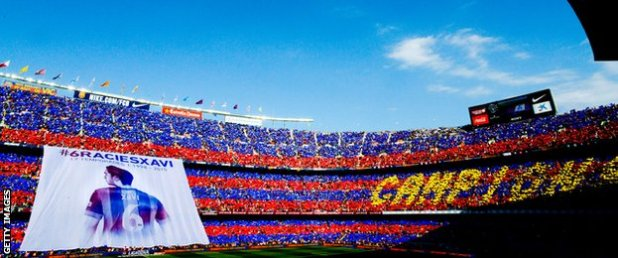 Xavi giant flag
