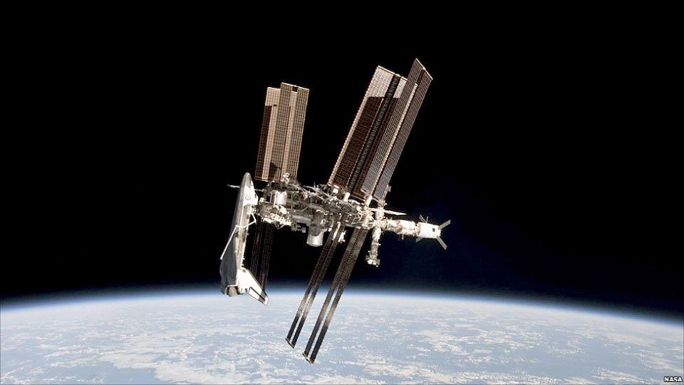 space_station_nolabels_976.jpg