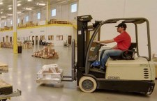 Rise In Warehouse Worker Pay