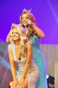 Belmont senior Hayley Lewis is crowned Miss Tennessee 2014.