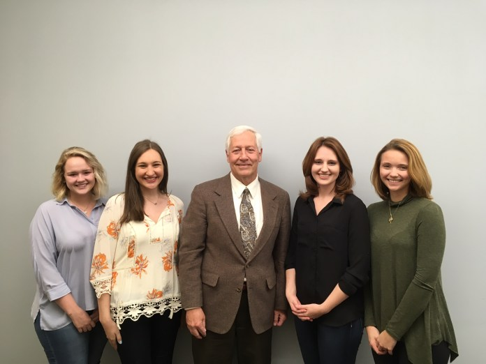 Students with Belmont President Dr. Bob Fisher