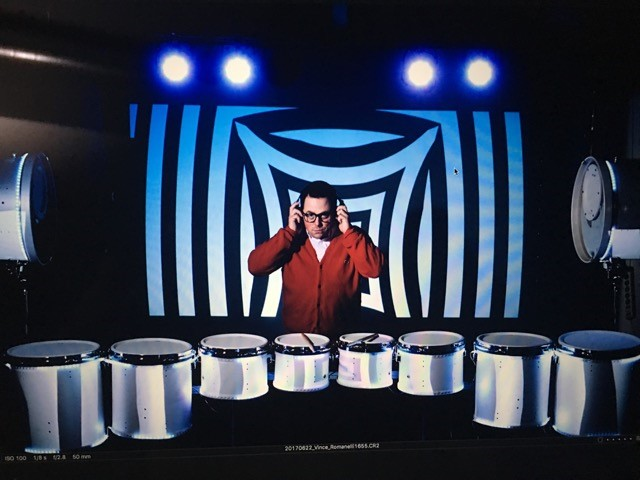 Alumnus Vince Romanelli performs on The Gong Show.