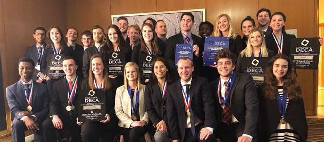DECA students posing for photo