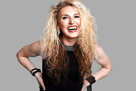 Singer/songwriter Paulina Jayne