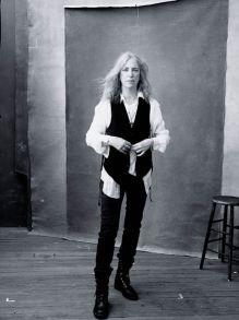 Patti-Smith-Foto-Annie-Leibovitz source www_pirellicalendar_pirelli_com