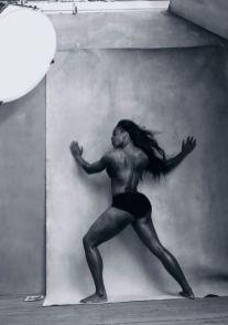 Serena-Williams-Foto-Annie-Leibovitz source www_pirellicalendar_pirelli_com
